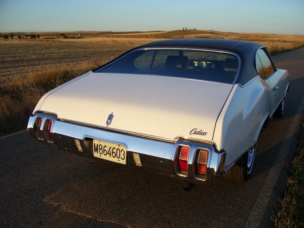Oldsmobile Cutlass sports coupe 1970 004.jpg
